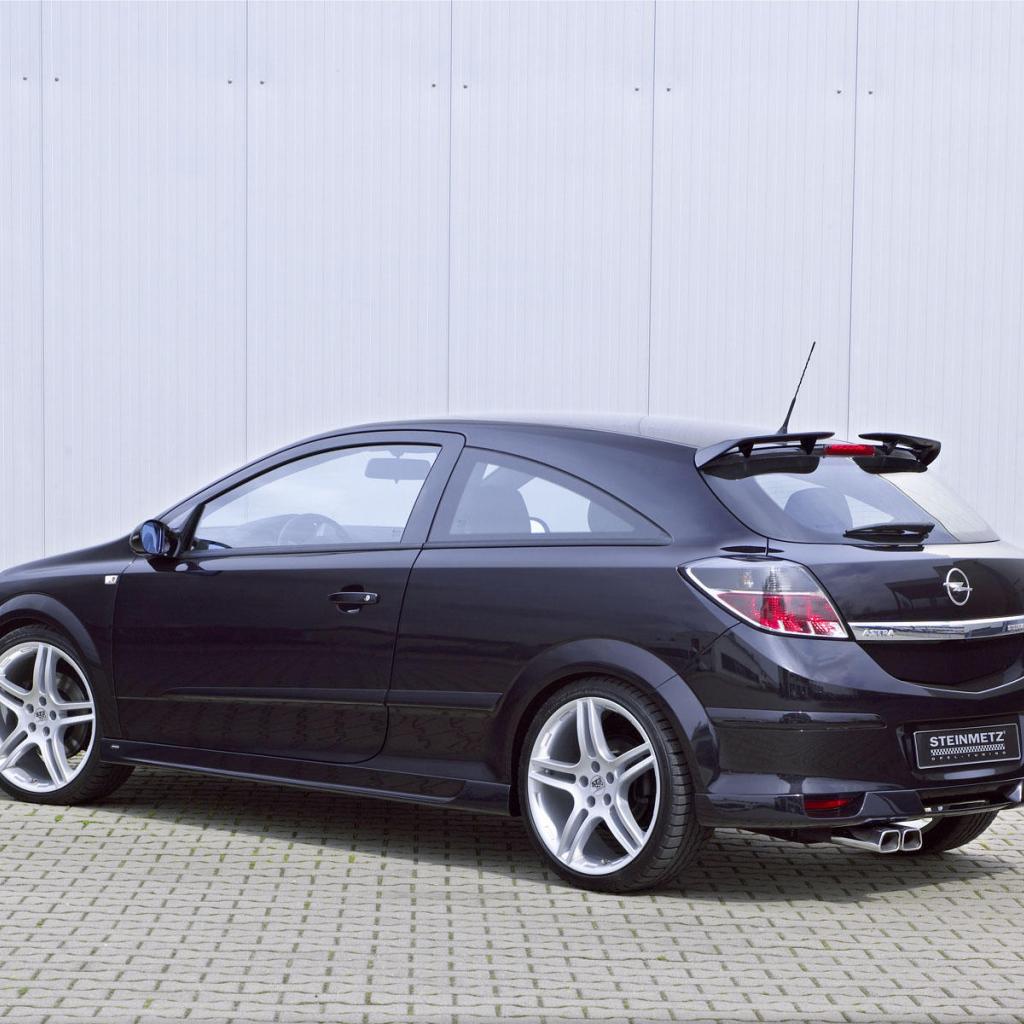 Beautiful Car Opel Astra GTC Desktop Wallpapers 1024x1024