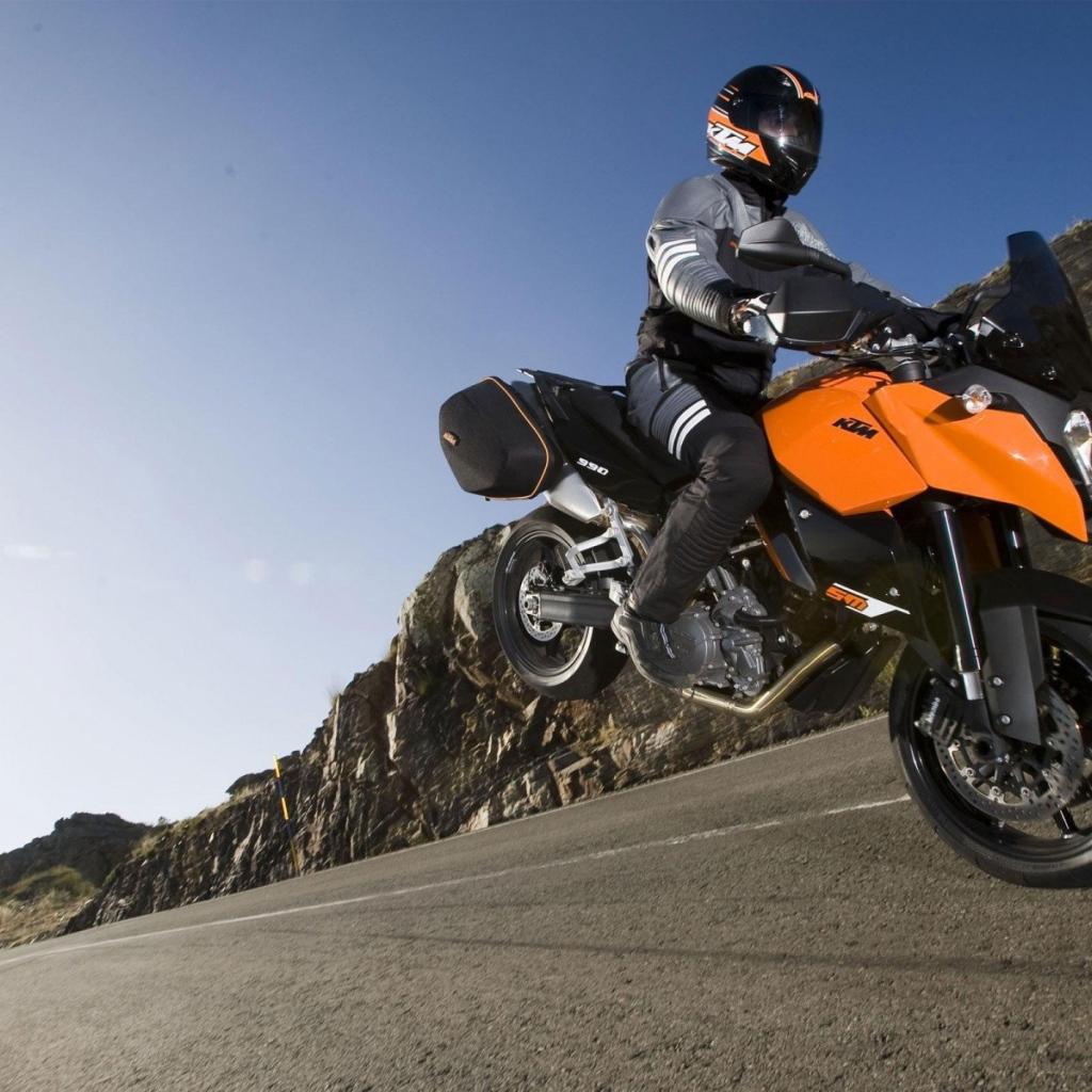 1366X768 обои для рабочего стола мотоциклы