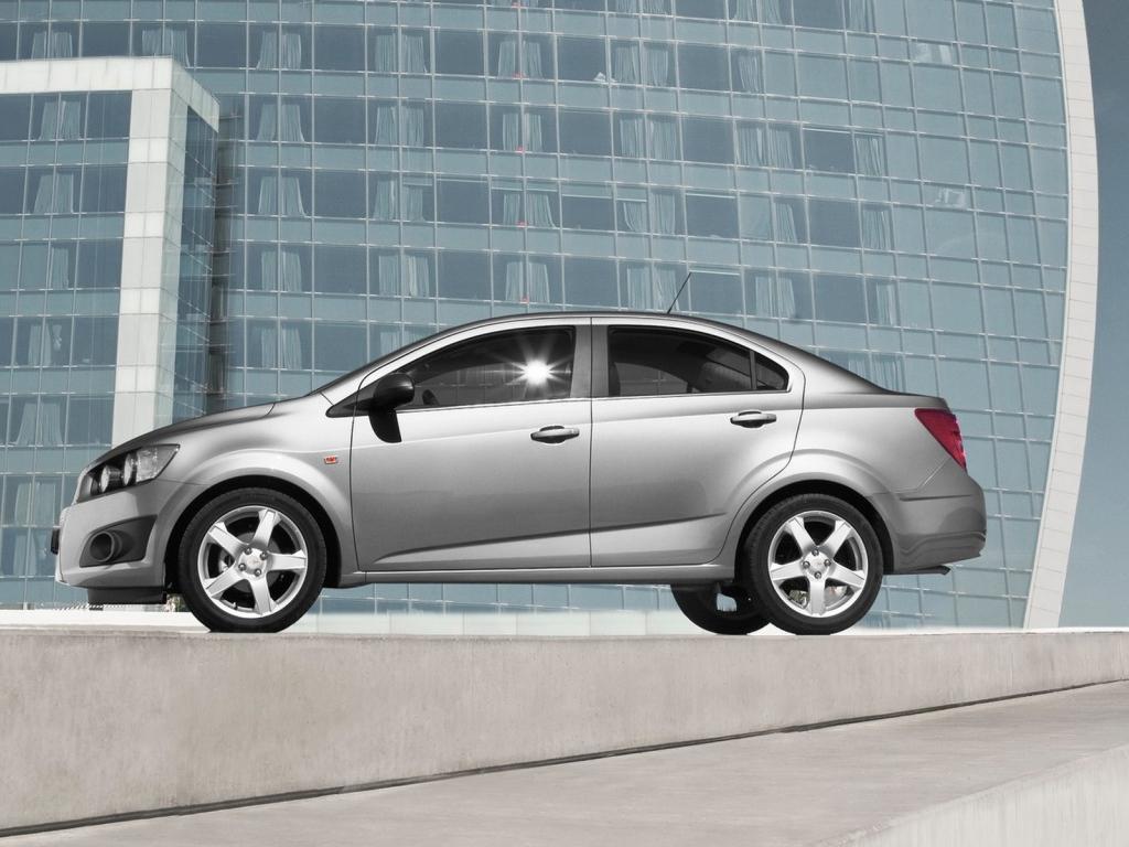 Фото Chevrolet Aveo Sedan…