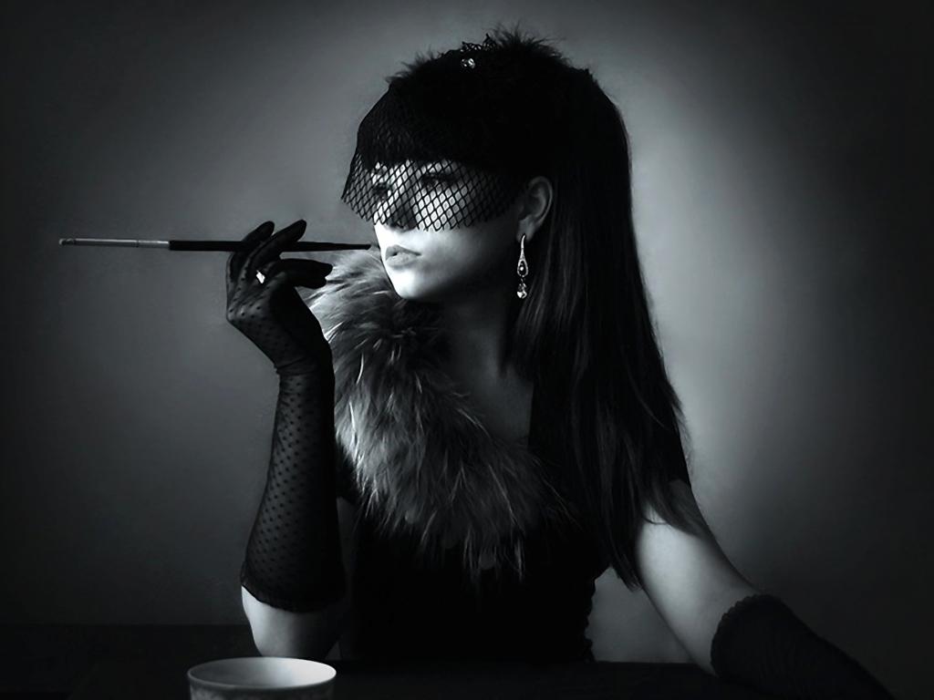 Фото курящих жен 4 фотография