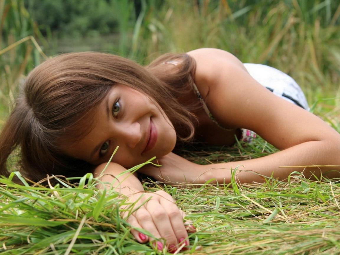 Бесплатно молоденькие девки сайт вчера