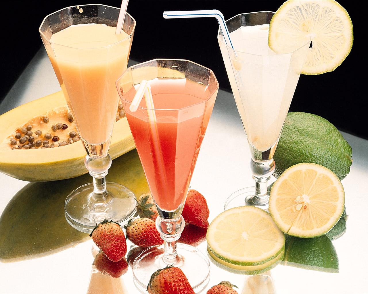 Fooddrinksdrinksfromthejuiceoffreshfruit012902