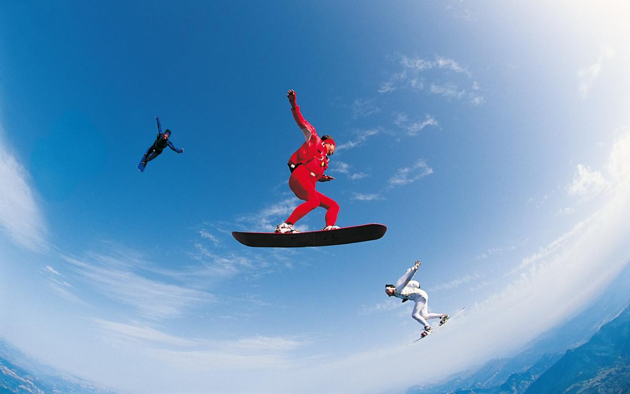 http://www.zastavki.com/pictures/1280x800/2008/Sport_Sky_surfing_008183_.jpg