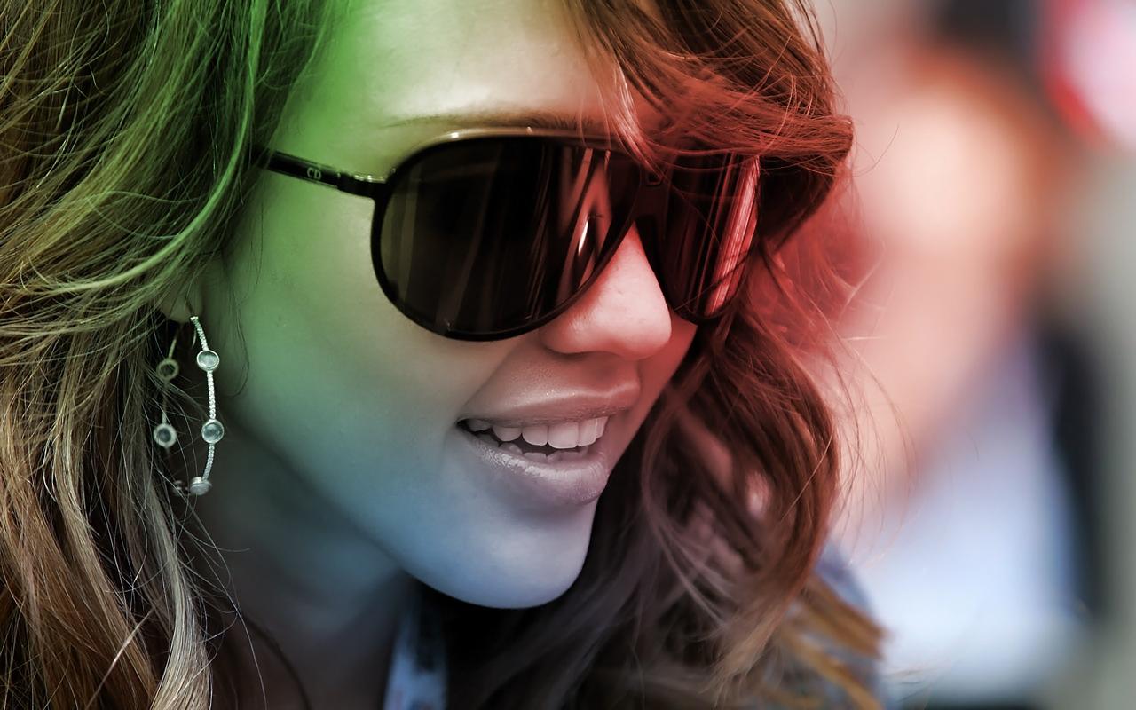 Картинки девушек в очках