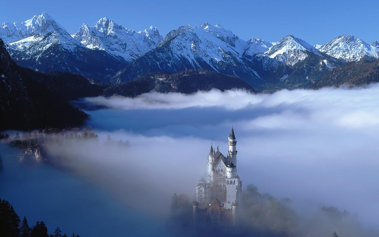 http://www.zastavki.com/pictures/1280x800/2009/World_Germany_Castle_in_the_Alps_018416_.jpg