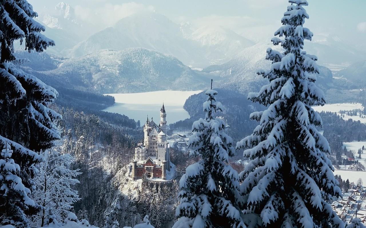 http://www.zastavki.com/pictures/1280x800/2009/World_Germany_Neuschwanstein_castle_018187_.jpg