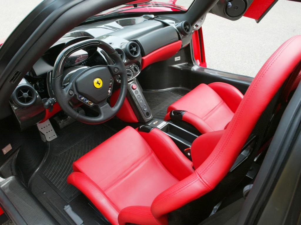 Суперкар Ferrari Enzo Evolution.
