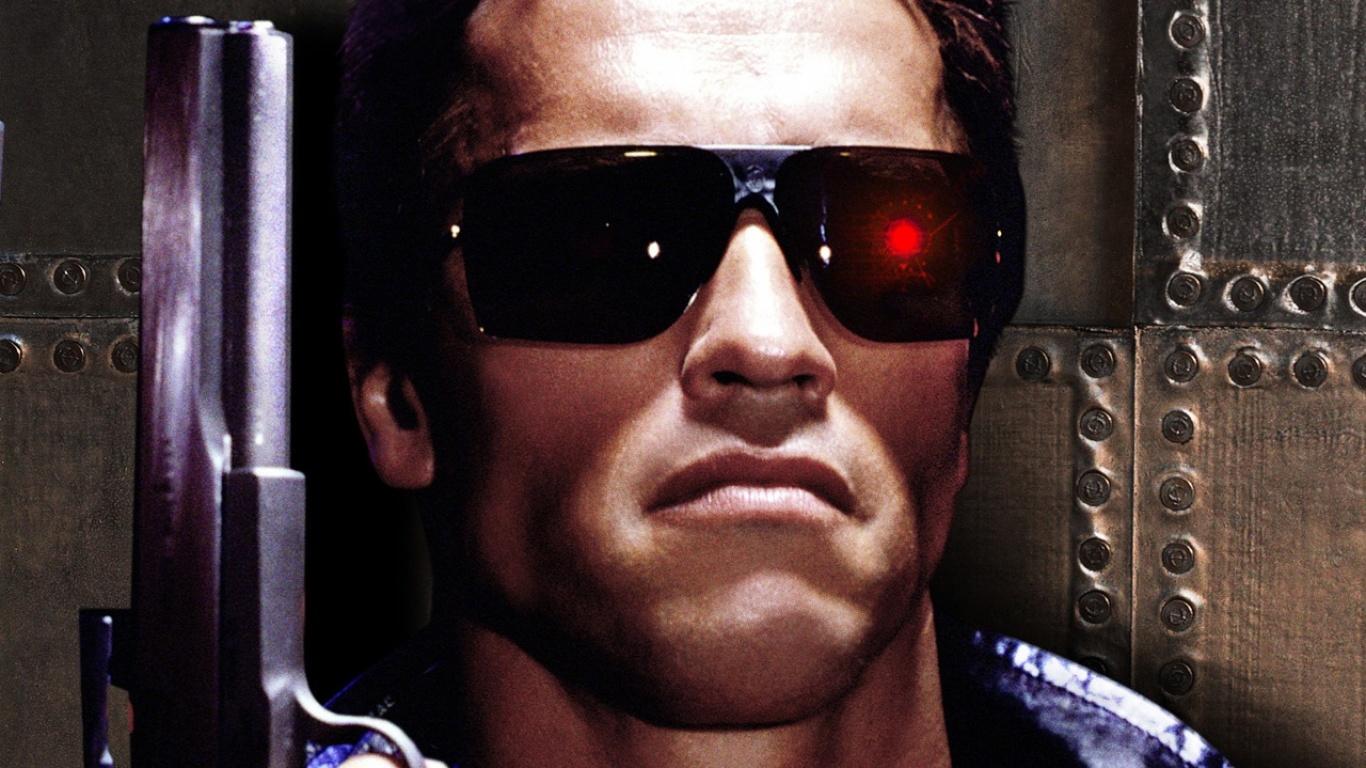 этого фото терминатора в очках обнял подарил