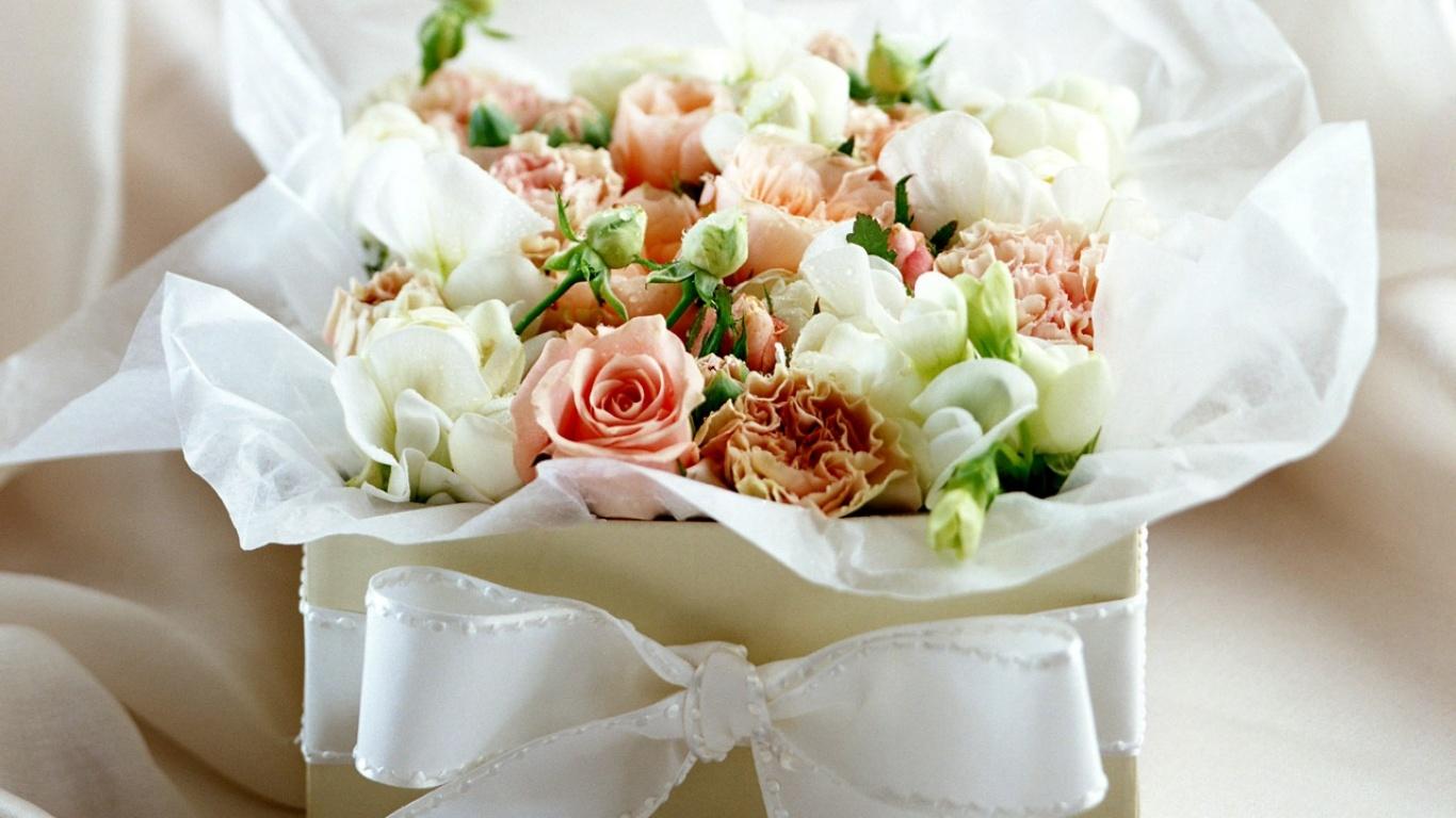 Днем рождения, картинки с коробочками и цветами