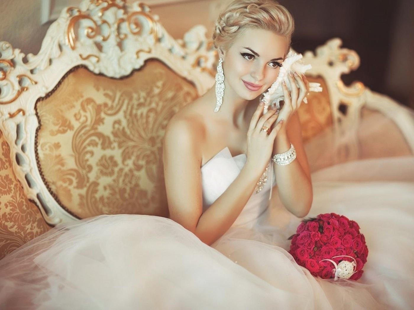 Смотреть порно зрелых женщин в свадебных платьях 24 фотография