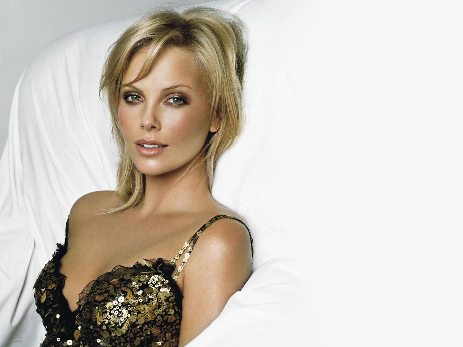 http://www.zastavki.com/pictures/1600x1200/2008/Girls_Models_Models_C_Charlize_Theron_004881_.jpg