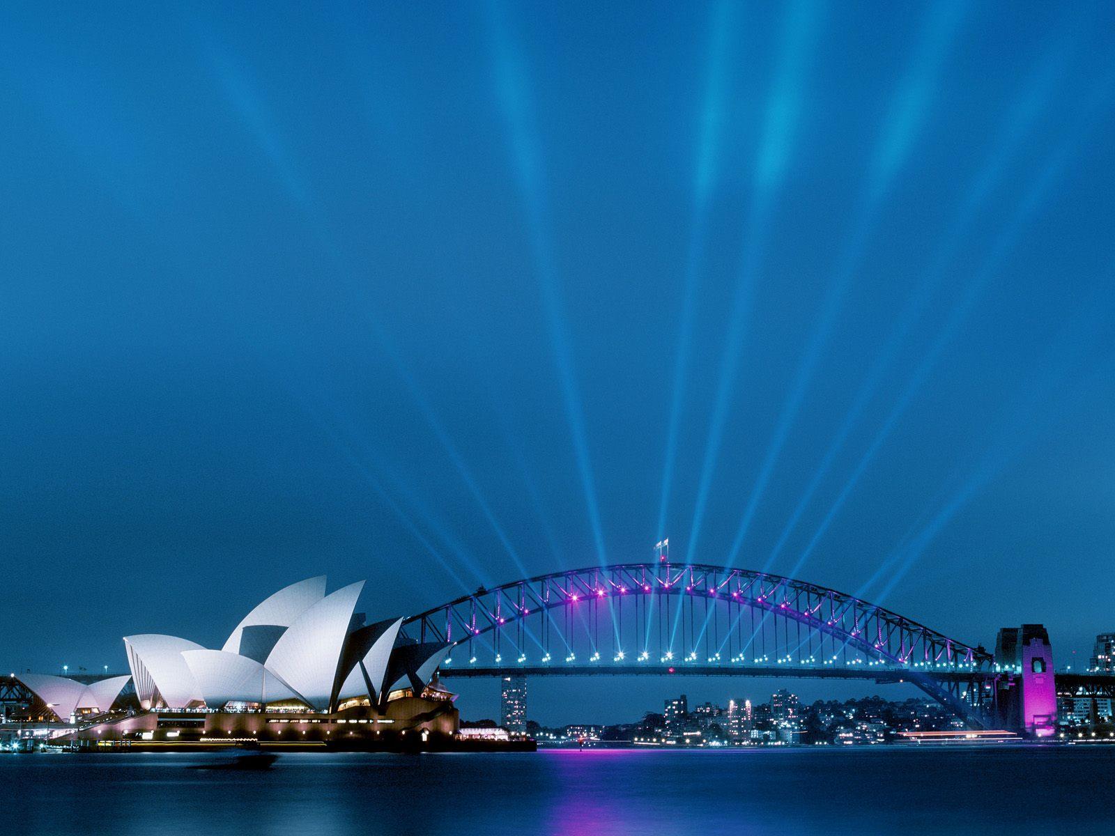 http://www.zastavki.com/pictures/1600x1200/2008/World_Australia_Sydney_Opera_House____Australia_008981_.jpg