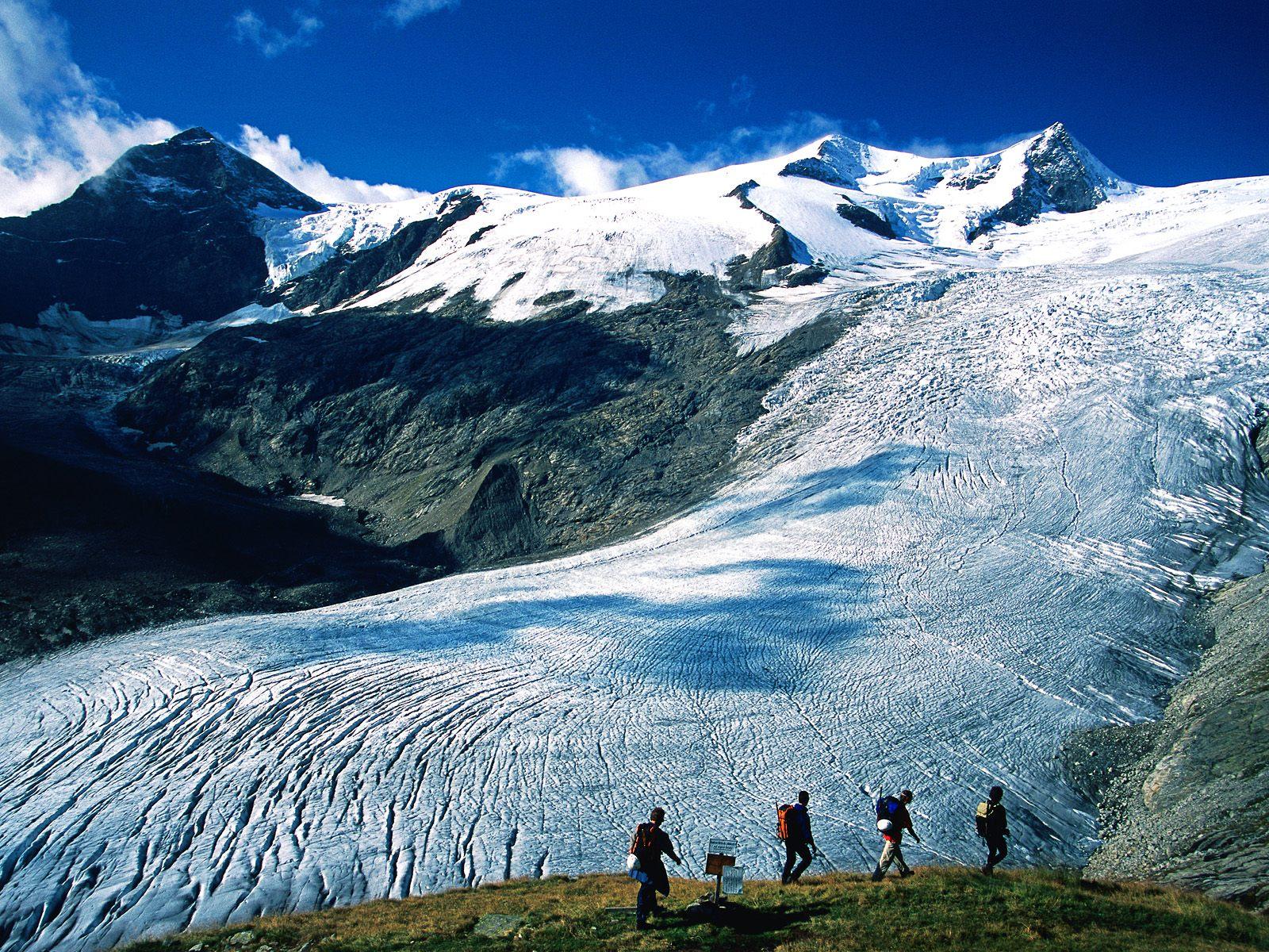 https://www.zastavki.com/pictures/1600x1200/2008/World_Austria_Schlaten_Glacier__Hohe_Tauern_National_Park__Austria_007845_.jpg