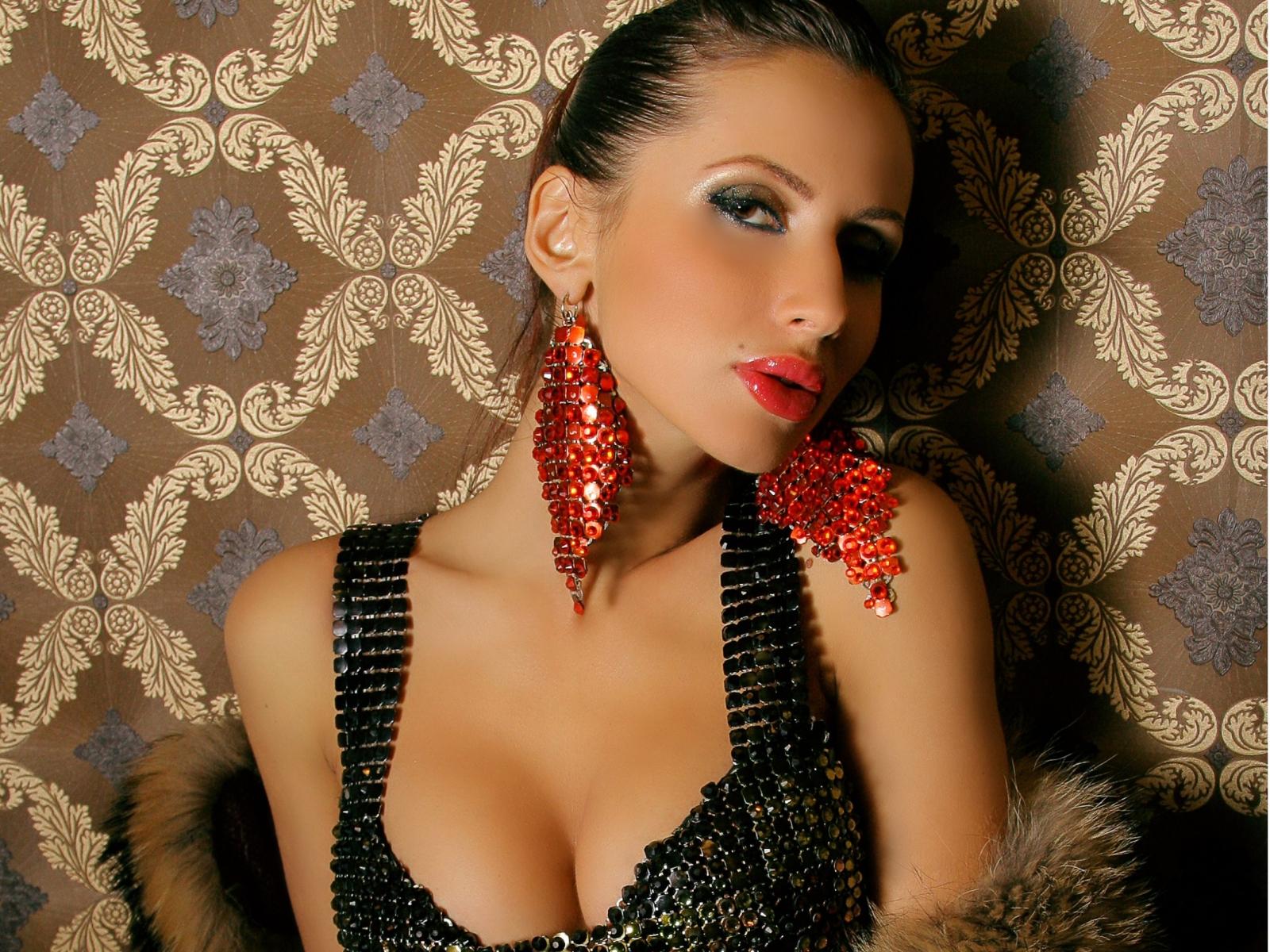 Подборка фотографии украинской певицы Светланы Лободы.