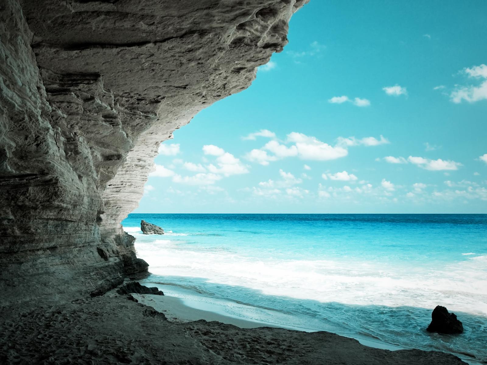 Обои красивое голубое море