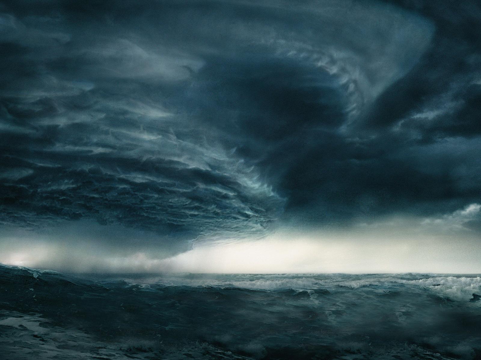 Saori Sumeragi (VC of Squad 1) Nature_Other_Ocean_storm_014318_