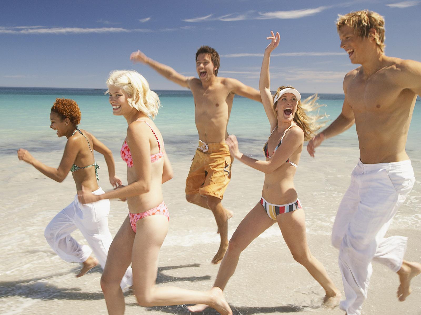 Развлечения голых девочек на курортах 19 фотография