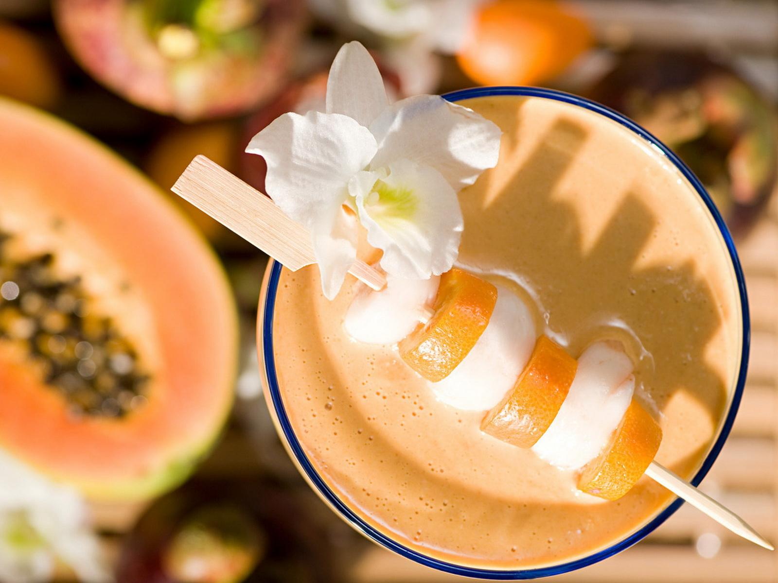 Украшение коктейлей фруктами фото