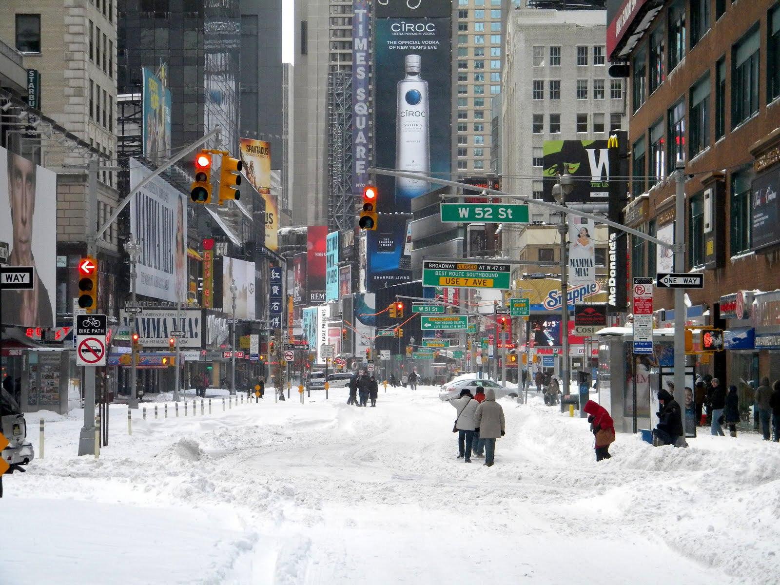 Snow In The City Desktop Wallpapers 1600x1200