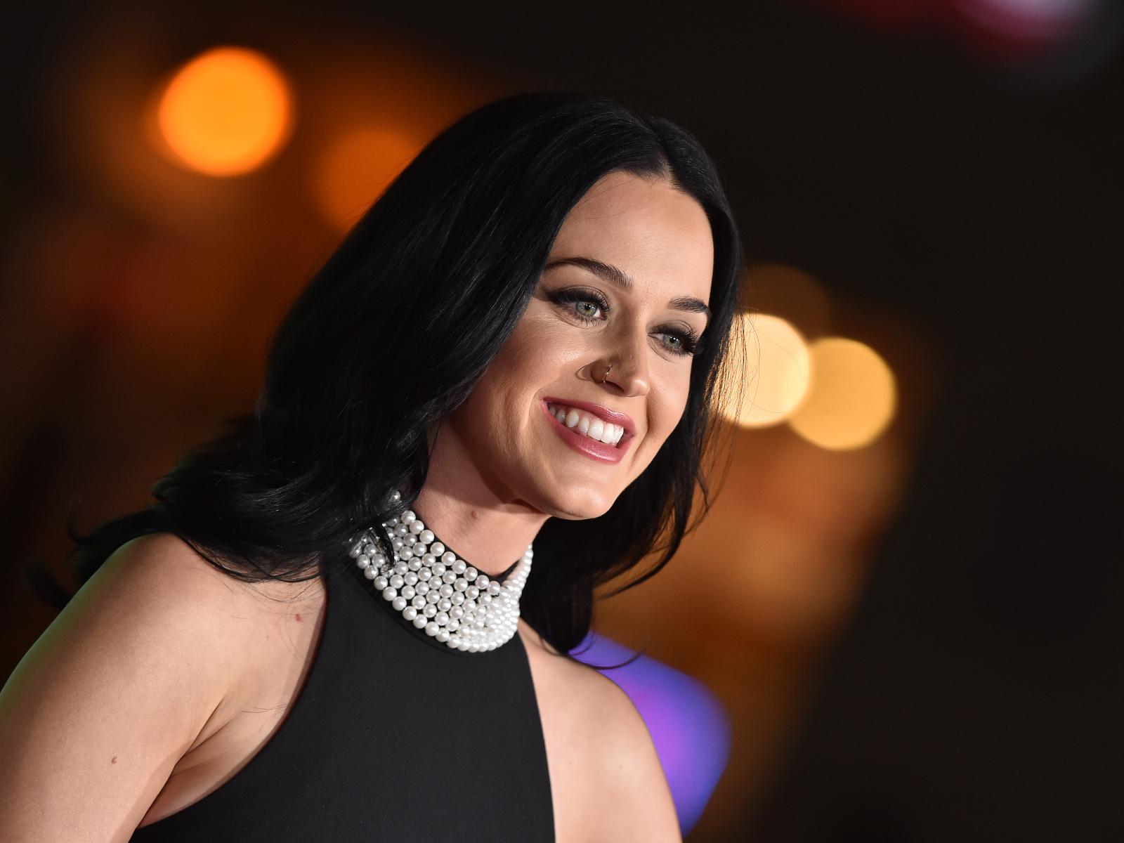 Smiling Brunette Girl Singer Katy Perry Desktop Wallpapers