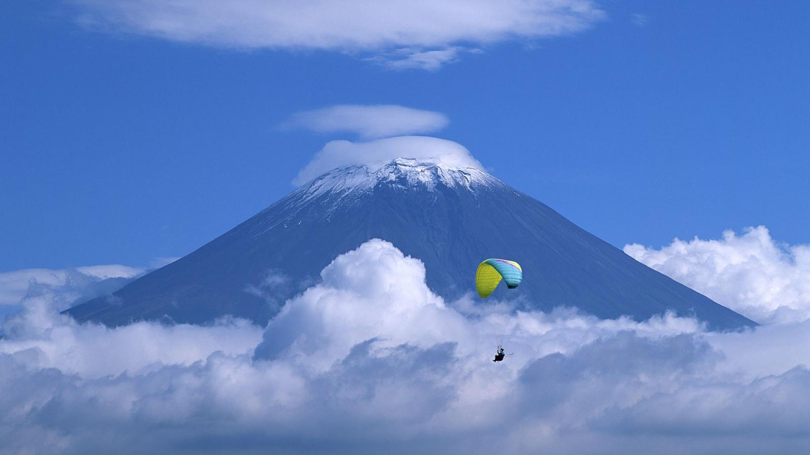 Вулкан в японии обои для рабочего
