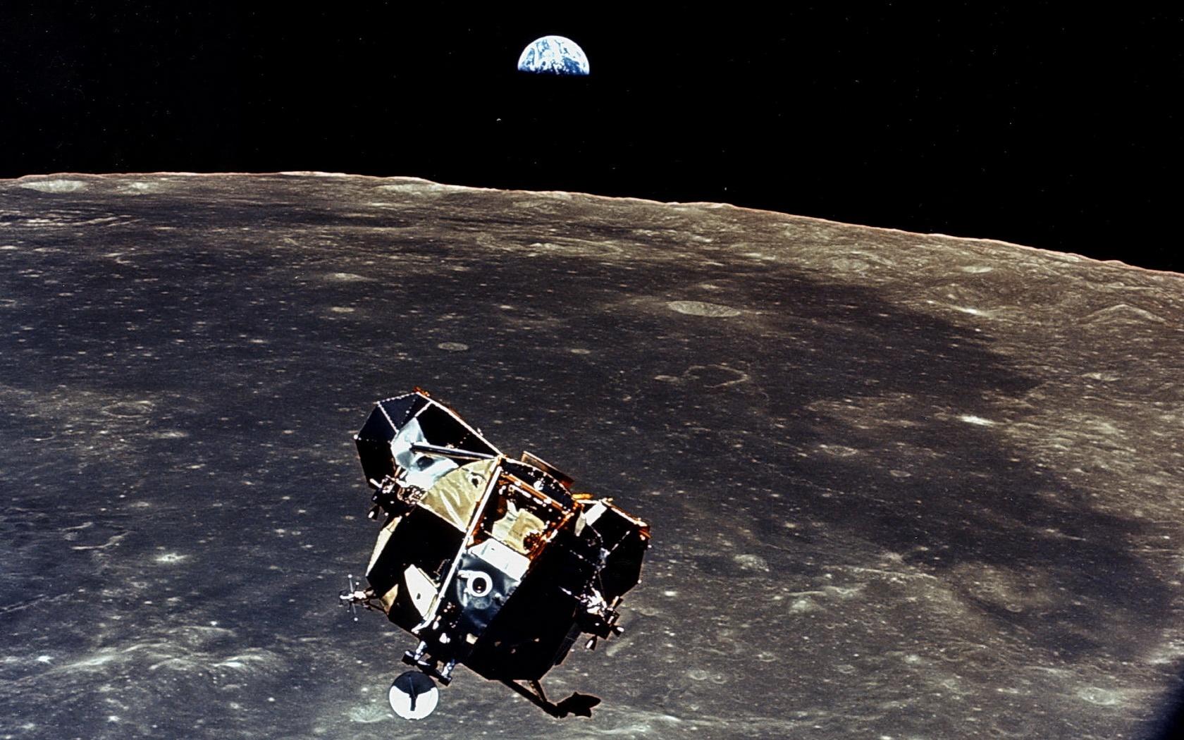 parachute module moon landing - photo #47