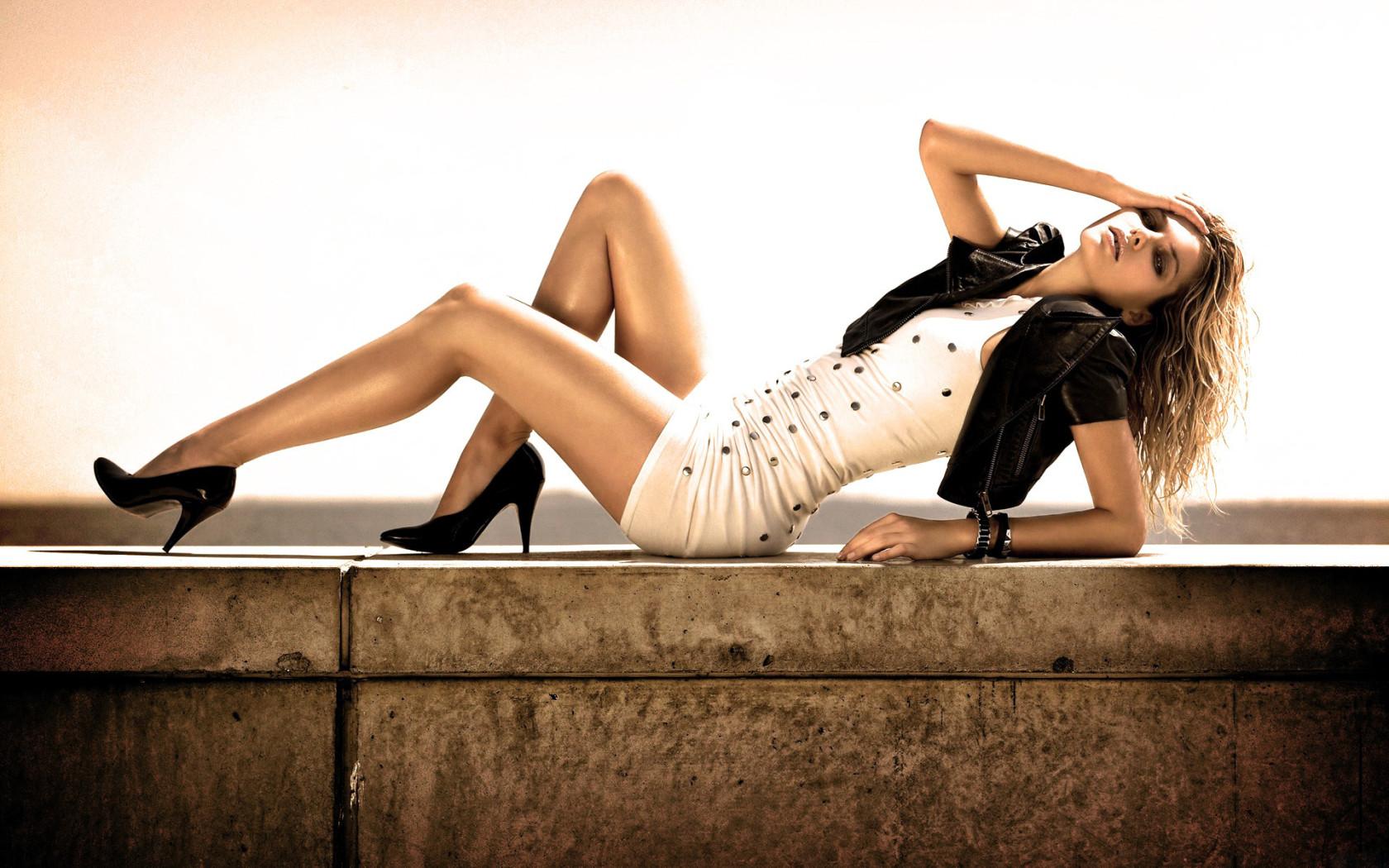 Смотреть фото красивые ножки женщин 26 фотография