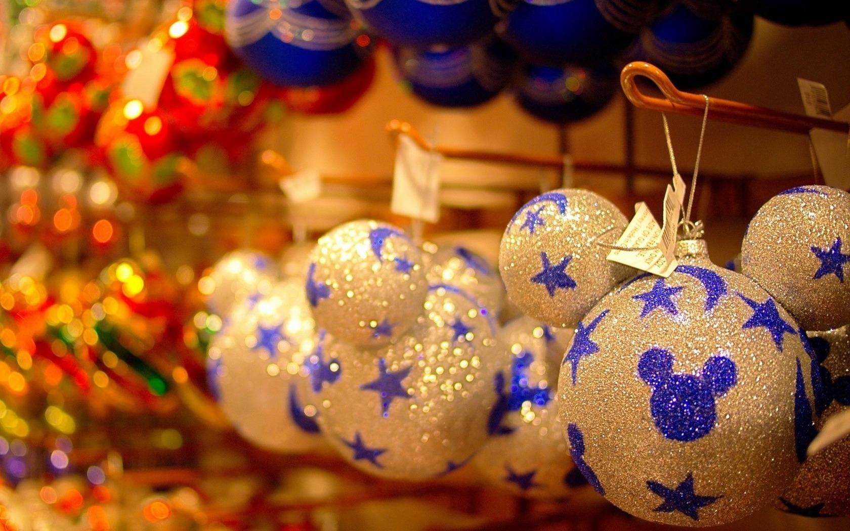 Новогодняя картинка с шарами, для мужчины смыслом