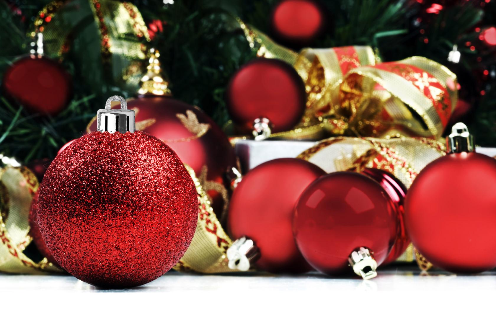 Beautiful Christmas decorations Desktop wallpapers 1680x1050