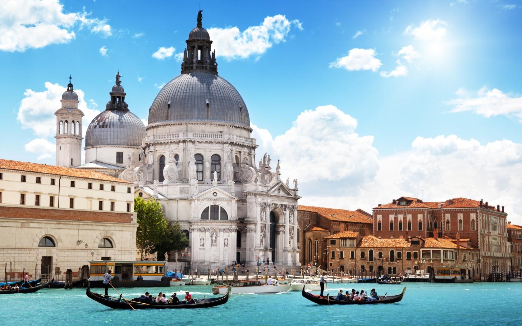 World_Italy_Amazing_Venice_034957_.jpg