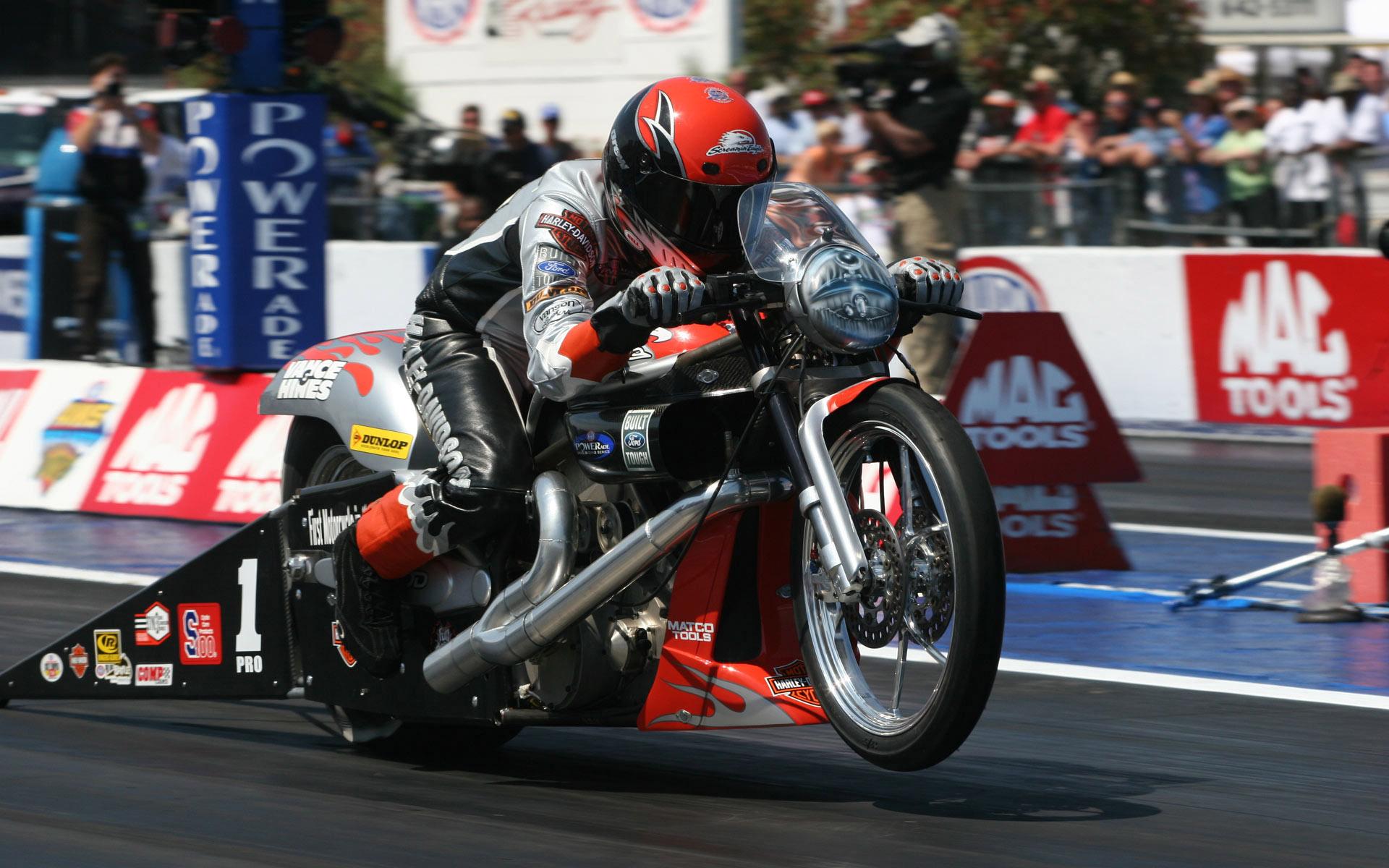 Harley Davidson Drag Racing