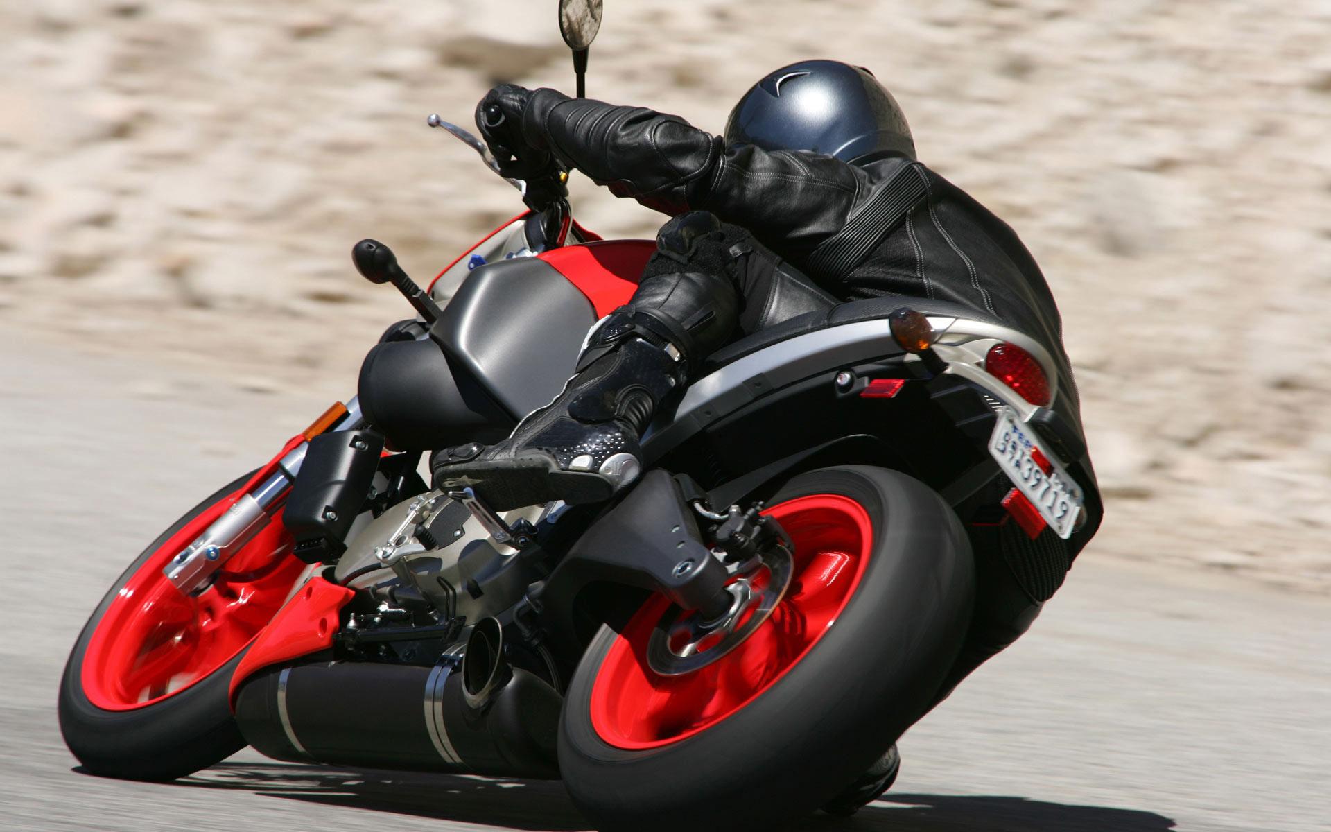 много картинок с мотоциклами показываете