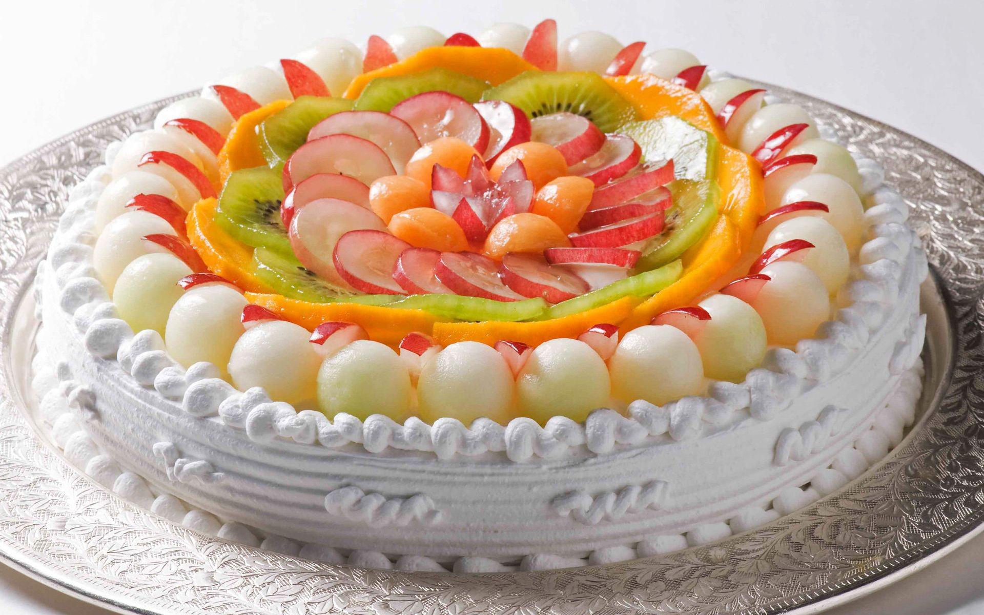 Торт фруктовый с днем рождения 50