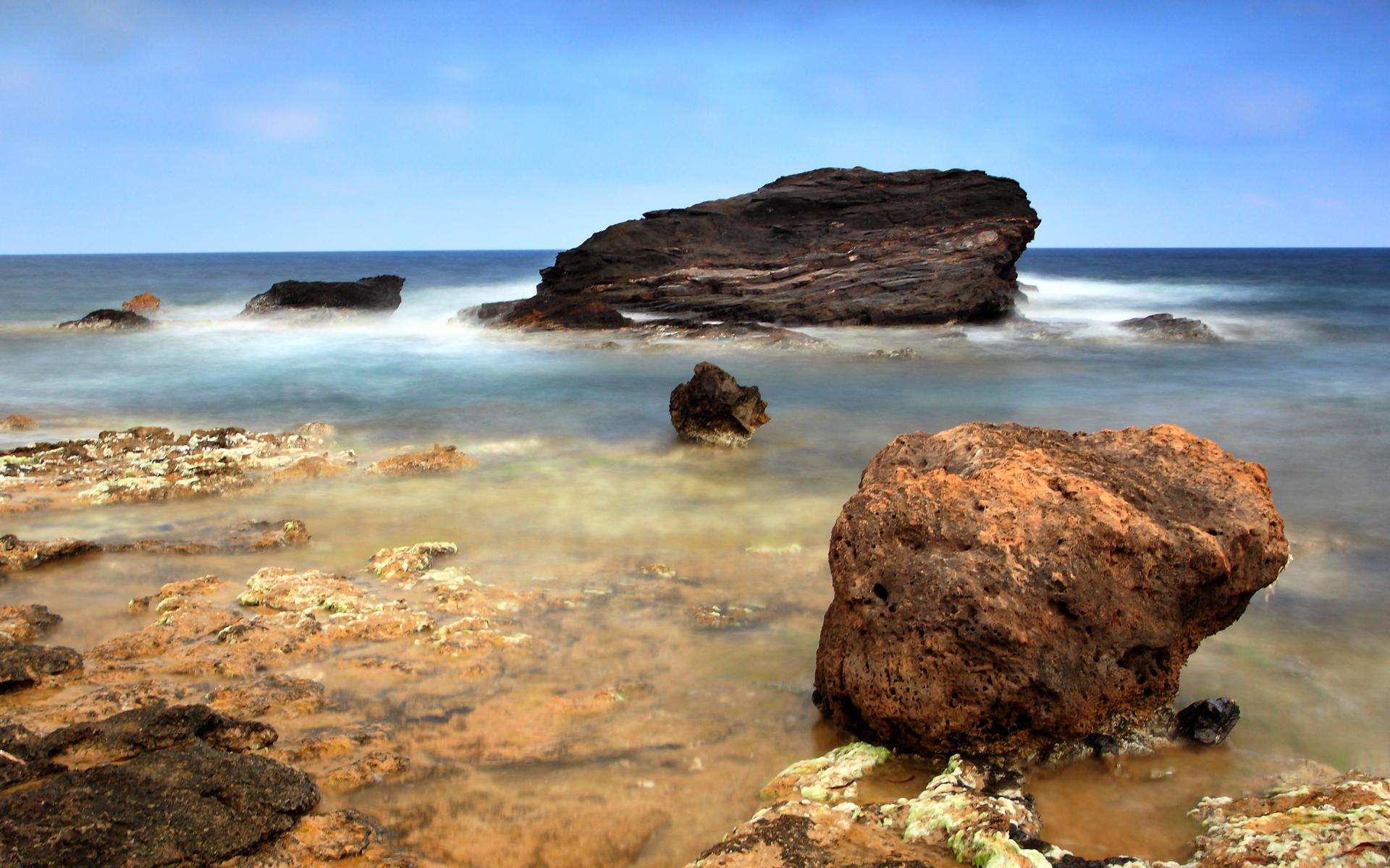 Zastaki.com - Камни над водой