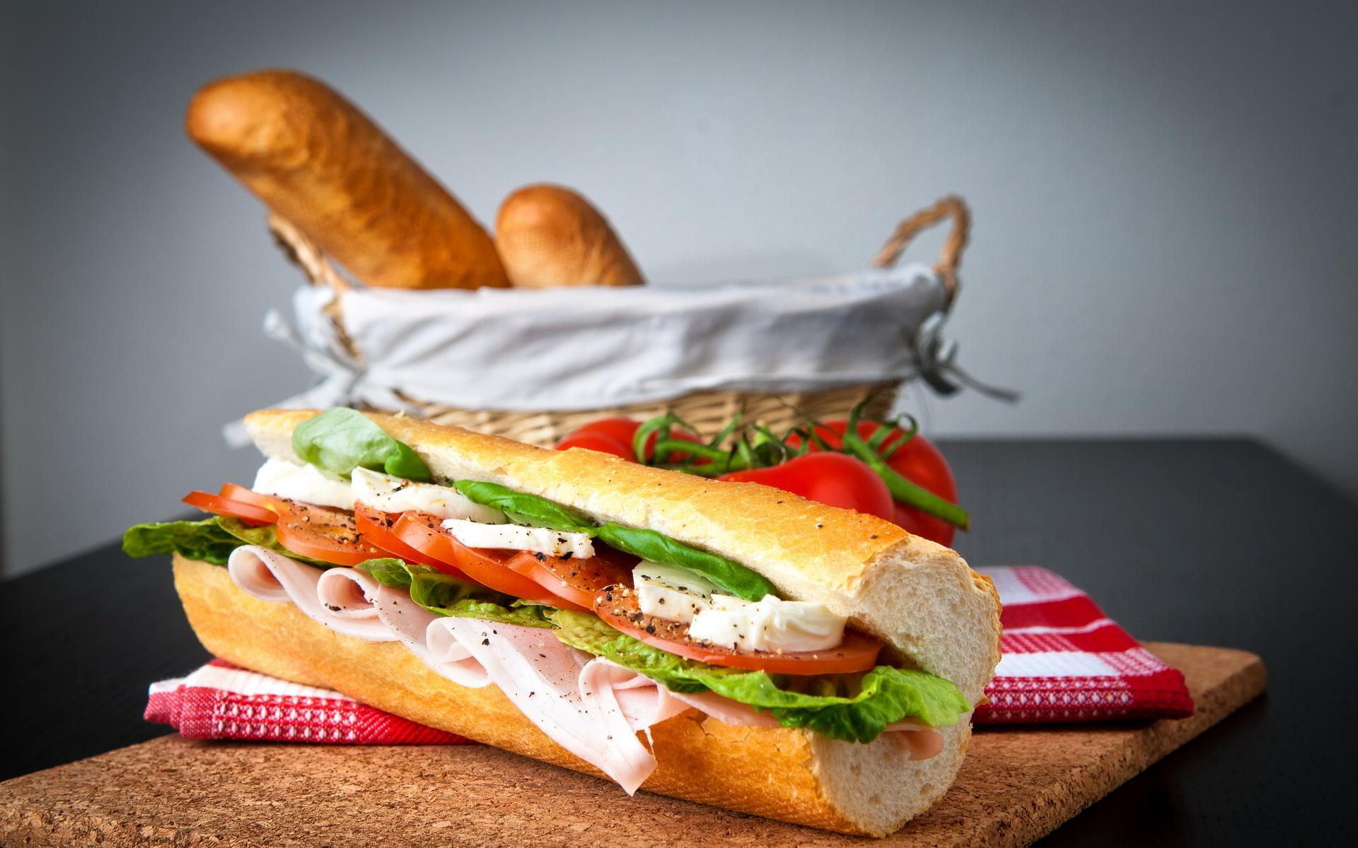 Салат с помидорами, курицей и сыром рецепт с фото пошагово ...