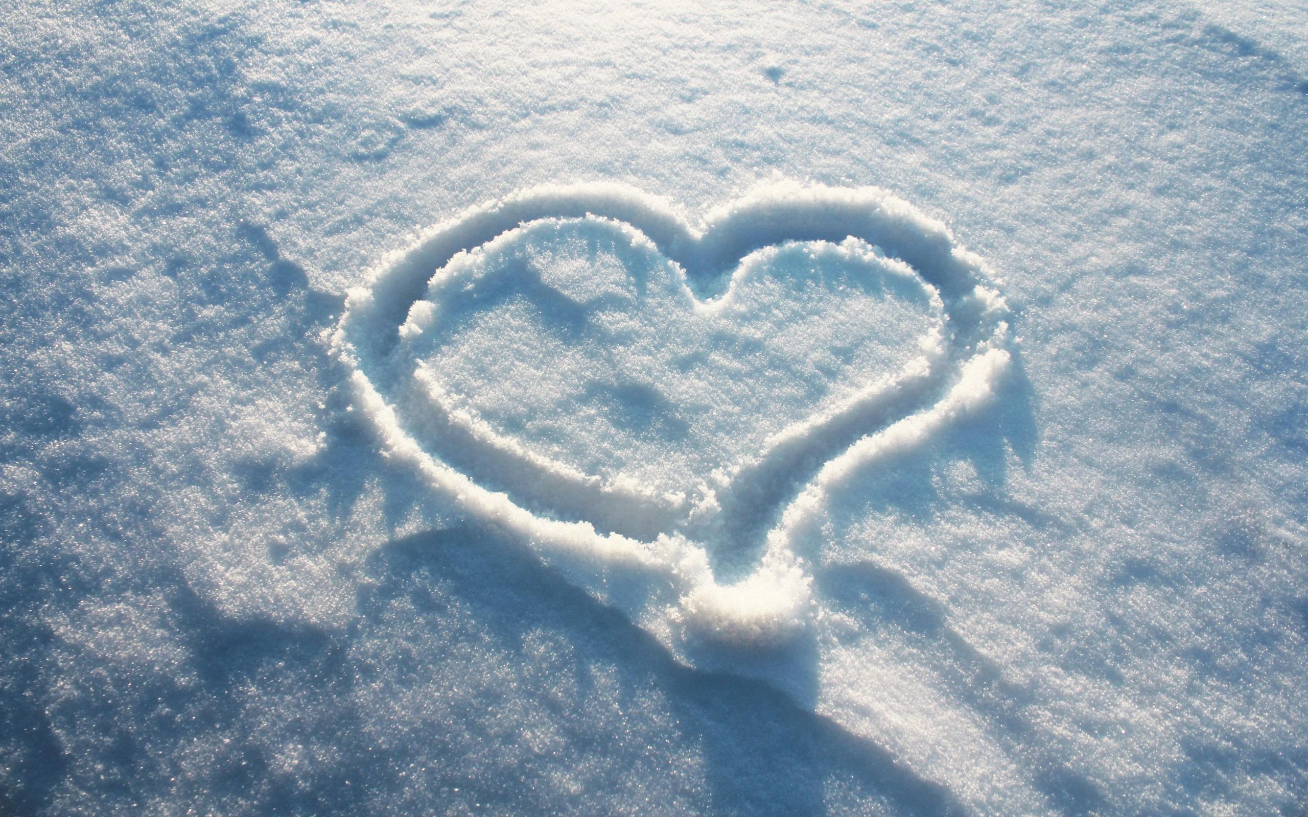 Картинки снег сердечки