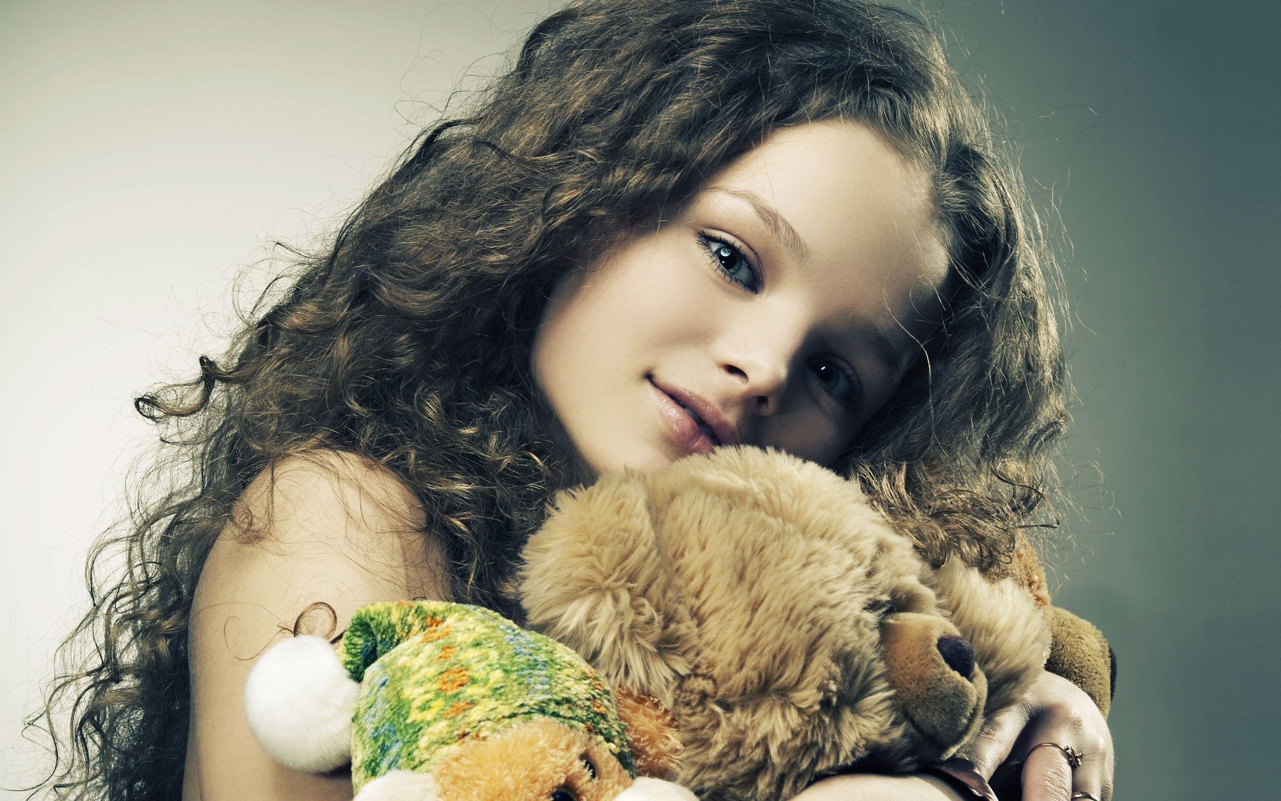 Девочки с игрушками фото 71-247