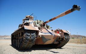 tank M-48