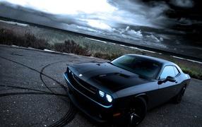 Черный Dodge Challenger