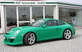 Зеленый Porsche Kompressor