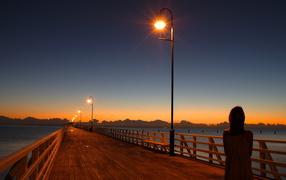 The bridge with lanterns