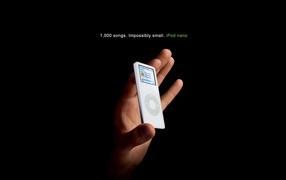 iPod в руке