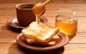 Tea, toast with honey