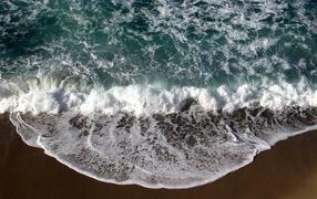 Море волны песок