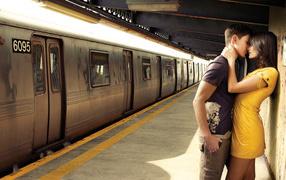 Поцелуй на станции