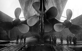 Huge bolts of Titanic