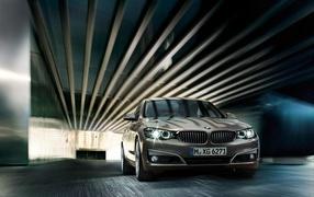 BMW X4 кроссовер высокая скорость