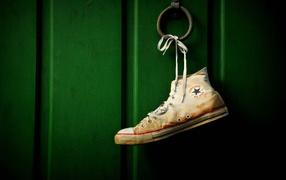 Converse обувь на двери