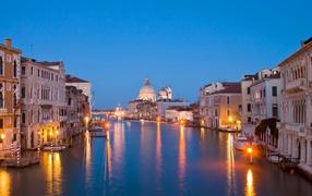 Венеция ночью, город на воде, международный туризм, Небо, курорт