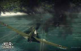 War Thunder американский истребитель стреляет
